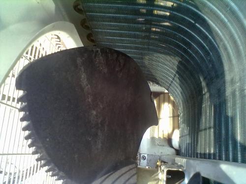 Чистка крыльчатки внешнего блока сплит-системы